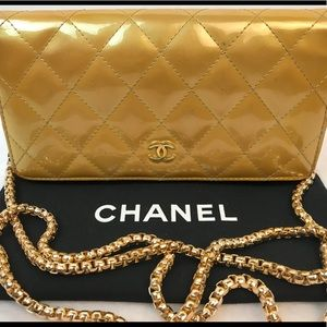 AUTHENTICATED CHANEL QUILTED CC GOLD PATENT